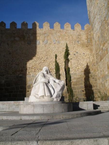 Escultura de Santa Teresa修女德肋撒雕像